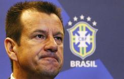 Técnico da seleção brasileira, Dunga, durante entrevista coletiva no Rio de Janeiro. 22/07/2014 REUTERS/Ricardo Moraes