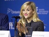 """A atriz Reese Witherspoon em entrevista coletiva para promover o filme """"The Good  Lie"""" no Festival de Cinema de Toronto. 08/09/2014.REUTERS/Fred Thornhill"""