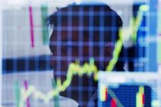 Le secrétaire américain au Trésor, Jack Lew, appelle la zone euro et le Japon à agir davantage en faveur de la croissance au moment où l'économie mondiale continue de décevoir, un sujet qui devrait animer le sommet du G20 en Australie. /Photo d'archives/REUTERS/Lucas Jackson