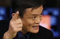 Jack Ma, fondateur d'Alibaba. L'action du géant du commerce électronique chinois gagnait encore plus de 30% une heure après sa première cotation vendredi à Wall Street après avoir affiché une hausse de près de 47% dans les tout premiers échanges, les investisseurs ne voulant visiblement pas perdre une miette de ce qui s'annonce comme la plus importante introduction en Bourse de l'histoire. /Photo prise lel 19 septembre 2014/REUTERS/Lucas Jackson
