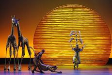 """The cast of """"The Lion King"""" performs the opening number at the 62nd Annual Tony Awards in New York, June 15, 2008.  REUTERS/Gary Hershorn"""