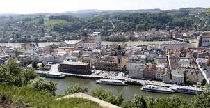 Vista panorámica del centro de Passau, a 200 km al noreste de Munich. Imagen de archivo, 19 mayo, 2014.  La confianza empresarial en Alemania cayó por quinto mes consecutivo en septiembre a su nivel más bajo desde abril del 2013, lo que sugiere que las expectativas de un fuerte rebote en el tercer trimestre de la mayor economía de Europa podrían tener que ser revisadas. REUTERS/Michaela Rehle