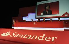 Nova presidente do Conselho de Administração do Santander, Ana Botín, discursa em reunião geral extraordinária do banco, na Espanha. 15/09/2014 REUTERS/Eloy Alonso (SPAIN - Tags: BUSINESS)