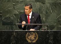 En la imagen, el presidente peruano, Ollanta Humala Tasso, ofrece un discurso ante la Asamblea General de Naciones Unidas en Nueva York. 25 de septiembre, 2014.  El presidente peruano Ollanta Humala confía en que el país andino seguirá captando inversión extranjera y en que la economía rebotará a medida que medidas para impulsarla ganen terreno. REUTERS/Mike Segar