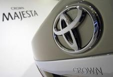 Toyota Motor Corp.'s Crown Majesta is displayed at an unveiling of the new sedan in Tokyo March 26, 2009. REUTERS/Issei Kato