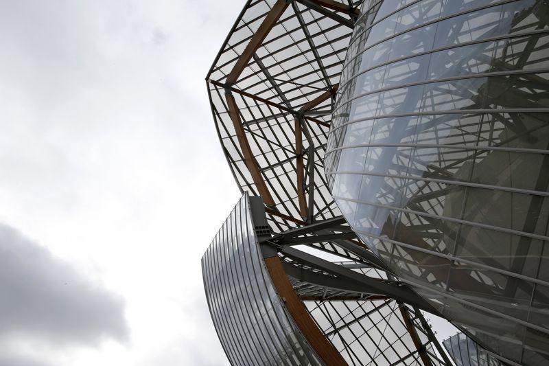Frank Gehry's Louis Vuitton art museum sails onto Paris skyline