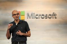 Le nouveau PDG de Microsoft, Satya Nadella, a été cette année l'un des dirigeants les mieux payés du secteur des nouvelles technologies avec une rémunération totale de 84,3 millions de dollars (65,8 millions d'euros). /Photo prise le 20 octobre 2014/REUTERS/Robert Galbraith