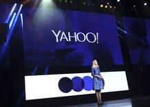 La directrice générale de Yahoo, Marissa Mayer. Le titre du portail internet figure au rang des valeurs à suivre ce mercredi à Wall Street, au lendemain de l'annonce d'un chiffre d'affaires du troisième trimestre en légère hausse et surpassant les prévisions des analystes. /Photo prise le 7 janvier 2014/REUTERS/Robert Galbraith