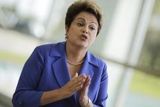 A presidente Dilma Rousseff fala à imprensa em Brasília, no início de outubro. 10/10/2014 REUTERS/Ueslei Marcelino