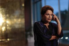 La presidenta de Brasil, Dilma Rousseff, durante una conferencia de prensa en Brasilia. Imagen de archivo, 01 octubre, 2014. Brasil anotó su mayor déficit mensual histórico en septiembre, en un rápido deterioro de las cuentas fiscales que presenta el mayor desafío para los esfuerzos de la presidenta reelecta, Dilma Rousseff, por recuperar la confianza de los inversores. REUTERS/Ueslei Marcelino