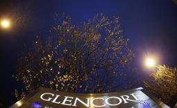 Glencore annonce une hausse de 8% de sa production de cuivre sur les neuf premiers mois de l'année à la faveur de solides performances de ses mines africaines, tout en faisant état d'une activité de négoce conforme aux attentes. /Photo d'archives/REUTERS/Michael Buholzer