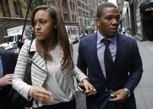 Former Baltimore Ravens NFL running back Ray Rice and his wife Janay arrive for a hearing at a New York City office building November 5, 2014. REUTERS/Mike Segar