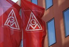 IG Metall, le principal syndicat d'Allemagne, va demander des augmentations de salaires allant jusqu'à 5,5% l'an prochain pour les 3,7 millions de salariés des secteurs de la métallurgie et de la construction mécanique. /Photo d'archives/REUTERS/Ralph Orlowski