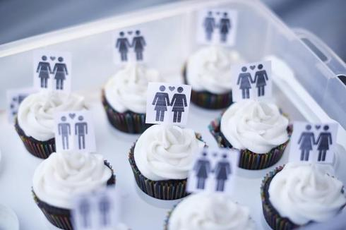 Gay marriage supporters ask U.S. Supreme Court to take new cases