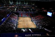A general view shows the clay court during the Davis Cup final singles tennis match between France's Jo-Wilfried Tsonga and Switzerland's Stanislas Wawrinka at the Pierre-Mauroy stadium in Villeneuve d'Ascq, near Lille, November 21, 2014.    REUTERS/Pascal Rossignol