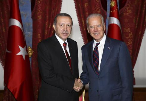 Turkey, U.S. ease strains on Islamic State but differences remain
