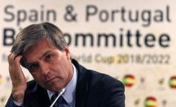 Chileno Harold Mayne-Nicholls durante coletiva de imprensa em Lisboa. 2/09/2010. REUTERS/Jose Manuel Ribeiro
