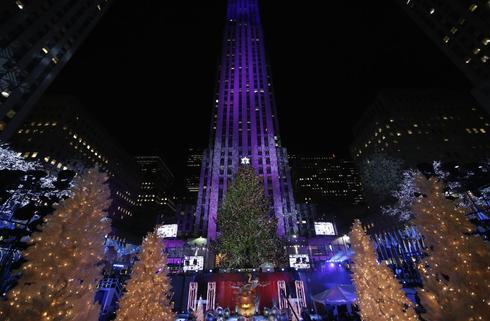 Lighting the Rockefeller Christmas tree