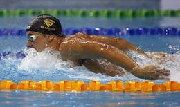 Chad Le Clos of South Africa swims during the men's 200m butterfly event of the FINA Swimming World Cup in Singapore November 1, 2014. REUTERS/Edgar Su