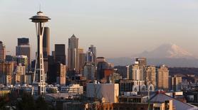 Vista general de Seattle, en Washington. Imagen de archivo, 12 marzo, 2014. Los inventarios de los minoristas en Estados Unidos, excluyendo automóviles, aumentaron en octubre, lo que podría afectar a las estimaciones del crecimiento del cuarto trimestre.  REUTERS/Jason Redmond