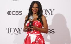 Audra McDonald recebe prêmio Tony em Nova York. 08/06/2014.  REUTERS/Andrew Kelly