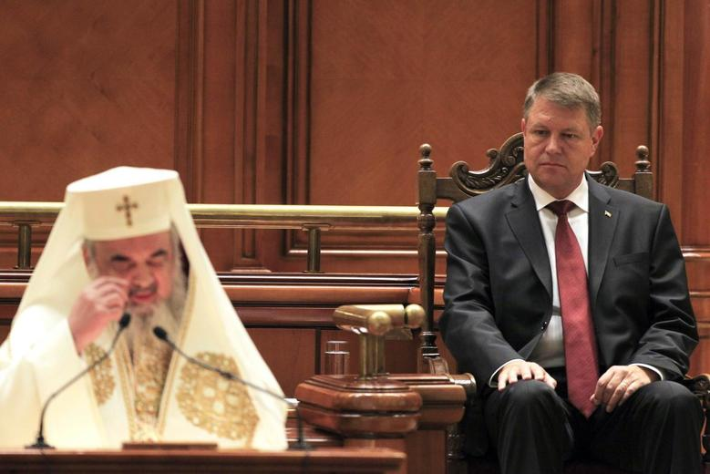 Iohannis promises corruption crackdown as new Romanian...
