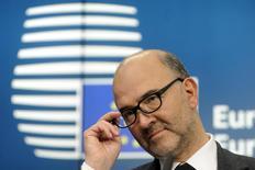 El comisario europeo de Asuntos Económicos, Pierre Moscovici, durante una conferencia de prensa en Bruselas. Imagen de archivo, 8 diciembre, 2014.  Grecia debe comprometerse firmemente con Europa y apoyar las reformas que favorezcan el crecimiento si desea prosperar de nuevo dentro de la zona del euro, dijo el lunes el comisario europeo de Asuntos Económicos, Pierre Moscovici, luego de que el país programara unas elecciones generales anticipadas.  REUTERS/Eric Vidal