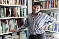 Le gouvernement français s'est refusé à polémiquer vendredi avec l'économiste Thomas Piketty, après son refus de la Légion d'honneur pour laquelle il avait été proposé dans le cadre de la promotion du 1er janvier. /Photo d'archives/REUTERS/Charles Platiau
