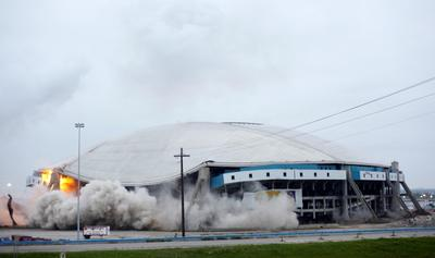 Texas seismologists investigate quakes near old Cowboys stadium
