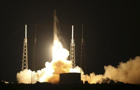 The unmanned Falcon 9 rocket launched by SpaceX on a cargo resupply service mission to the International Space Station lifts off from the Cape Canaveral Air Force Station in Cape Canaveral, Florida, January 10, 2015. REUTERS/Scott Audette