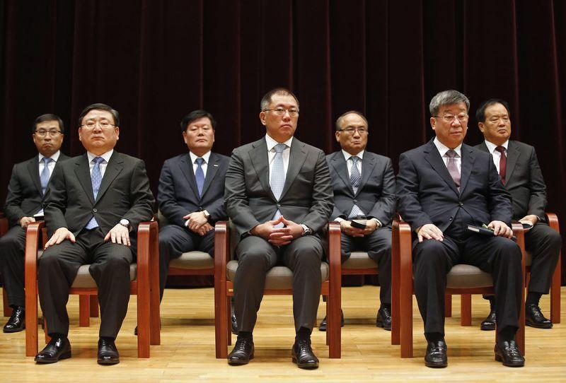 Hyundai motor executives to sell billion stake in for Hyundai motor myanmar co ltd