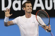 Andy Murray of Britain reacts after losing a point during his men's singles tennis match against Benoit Paire of France at the 2015 Hopman Cup in Perth January 5, 2015. REUTERS/Stringer