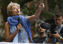"Actress Emma Thompson speaks during the ""People's Climate March"" in central London September 21, 2014.    REUTERS/Luke MacGregor"