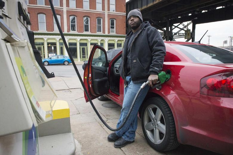Gas Prices St Louis >> As Gasoline Prices Drop Americans Swing To Favor Oil