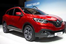 Renault a dévoilé son nouveau crossover compact Kadjar, un modèle stratégique qui manquait à sa gamme, afin de profiter à son tour du boom du segment en Europe, mais aussi à l'international, tant ce type de silhouette est désormais prisé sur tous les marchés. /Photo prise le 2 février 2015/REUTERS/Charles Platiau