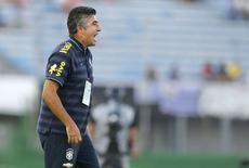 Técnico da seleção sub-20, Alexandre Gallo, durante partida contra a Colômbia pelo Sul-Americano da categoria, em Montevidéu. 07/02/2015 REUTERS/Andres Stapff