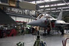 O jato Rafale na linha de produção da Dassault, em Merignac, perto de Bordeaux, na França. 10/01/2014 REUTERS/Benoit Tessier
