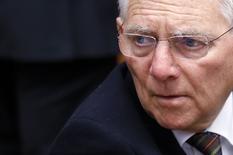 El ministro alemán de Finanzas, Wolfgang Schaeuble,  asiste a una reunión en Bruselas, 16 febrero, 2015. El ministro alemán de Finanzas, Wolfgang Schaeuble, dijo el martes que aún no estaba claro si Grecia quiere o no un programa de rescate tras el colapso el lunes de las negociaciones por la deuda griega entre Atenas y los ministros de Finanzas de la zona euro. REUTERS/Francois Lenoir