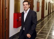 Le Premier ministre grec Alexis Tsipras a déclaré samedi que l'accord conclu la veille à Bruxelles sur une prolongation sous conditions de l'aide financière à Athènes revenait à annuler les engagements pris par les gouvernements précédents en matière d'austérité. /Photo prise le 21 février 2015/REUTERS/Kostas Tsironis