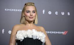 "Cast member Margot Robbie poses at the premiere of ""Focus"" at the TCL Chinese theatre in Hollywood, California February 24, 2015. REUTERS/Mario Anzuoni"