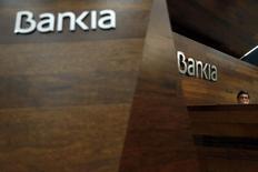 Jose Ignacio Goirigolzarri, président de Bankia. La banque espagnole a publié des résultats 2014 en forte hausse malgré de lourdes provisions pour d'éventuels dédommagements à des milliers d'investisseurs lors de son introduction en Bourse de 2011, qui ont ensuite étés lésés par le sauvetage de l'Etat. /Photo prise le 28 février 2015/REUTERS/Susana Vera
