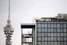 Torre da Telecom Italia em Roma. 20/12/2013 REUTERS/Alessandro Bianchi