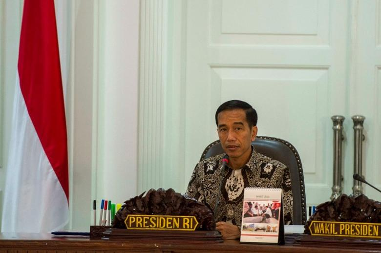 Indonesia's President Joko Widodo leads a cabinet meeting at the Presidential Palace in Jakarta, March 4, 2015, in this photo taken by Antara Foto. REUTERS/Antara Foto/Ismar Patrizki