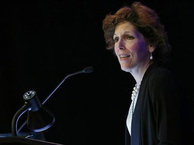 Fed's Mester urges shift in forward guidance role