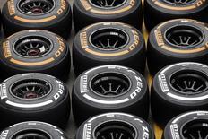 Покрышки Pirelli в паддоке перед итальянским этапом Формулы-1 в Монце. 4 сентября 2014 года. Китайская China National Chemical Corp (ChemChina) покупает Pirelli в рамках сделки, которая оценивает производителя шин в 7,1 миллиарда евро. REUTERS/Max Rossi