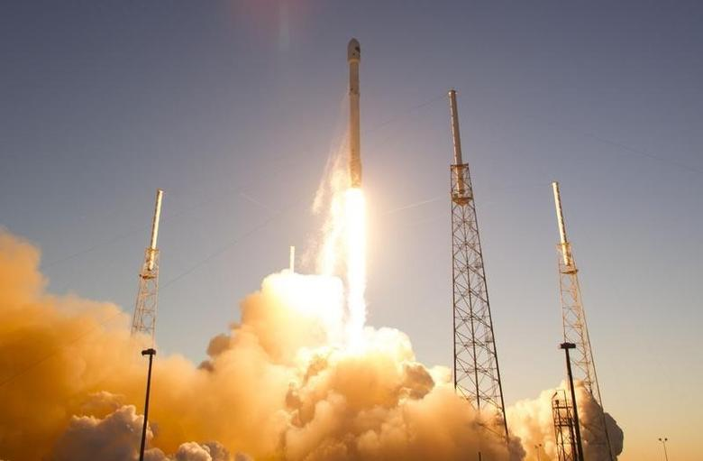 U.S., SpaceX focus on second stage engine to wrap up...