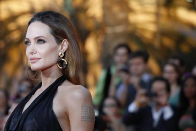 Jolie has ovaries removed