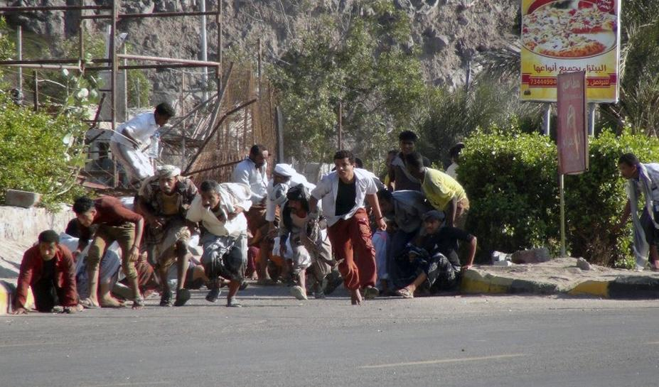 Allies of Yemen Houthis seize Aden airport, close in on