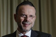 Presidente do BNDES, Luciano Coutinho, substitiu Guido Mantega na presidência do Conselho de Administração da Petrobras 5/12/ 2012. REUTERS/Ueslei Marcelino