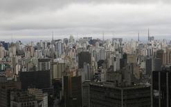 Vista aérea de prédios no centro de São Paulo.  18/06/2014   REUTERS/Maxim Shemetov